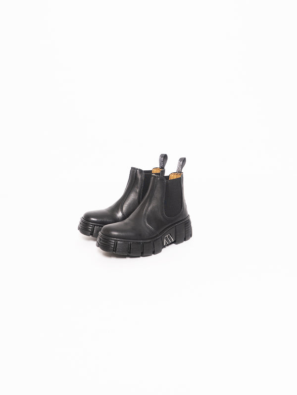 Chelsea ankle boot with Carrarmato - Black