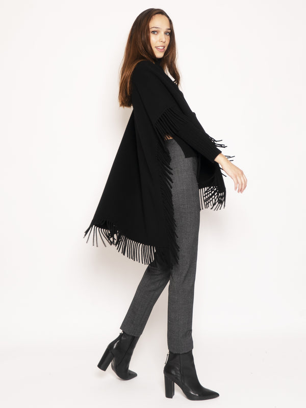 Cape with fringes - Black