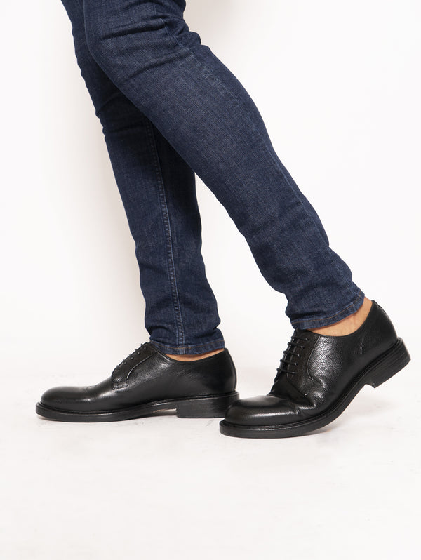 Classic derby in tumbled leather - Black