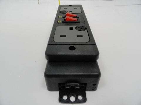 Formfittings Inline Two Way UK Switched Power Plug