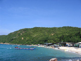 Pattaya + Bangkok: Transfers, Coral Island, Thai Alangkarn Show, City Tour, Safari World