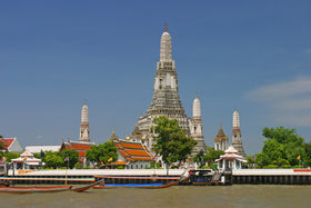 Pattaya + Bangkok: Transfers, Coral Island, Al Cazar Show , City Tour, Safari World, Chopraya River Dinner Cruise