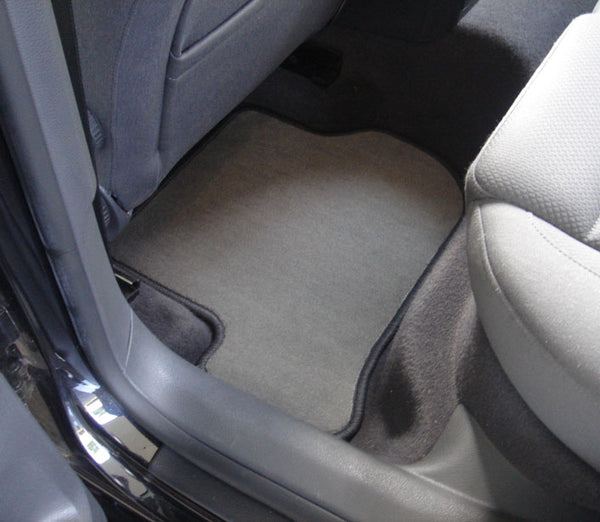 Cleaning Car Floor Mats And Carpets