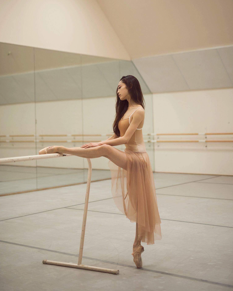Koto Ishihara at the ballet barre in San Francisco Ballet Studio