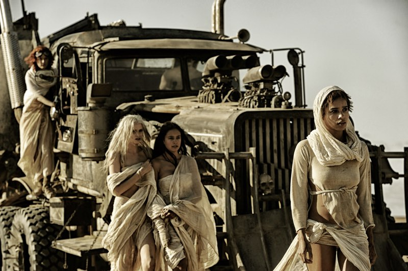 Courtney-Eaton-Abbey-Lee-and-Zoe-Kravitz-are-the-Wives-in-Mad-Max-Fury-Road