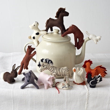 Large-animals teapot
