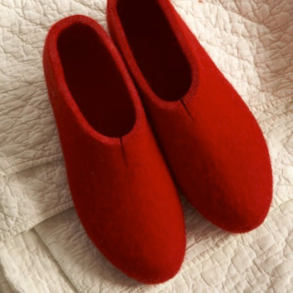 Large-redslippers-1
