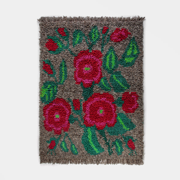 Traditional Wool-Hair Knot Rug (Gray with Flowers) by Artesanías de Chile Foundation (Chile)