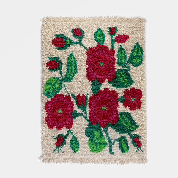 Traditional Wool-Hair Knot Rug (White with Flowers) by Artesanías de Chile Foundation (Chile)