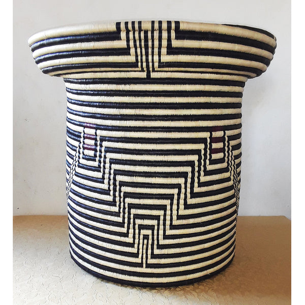 Centre Table Basket , an Ilala Palm grass Basket by Angeline Bonisiwe Masuku Trading (SOUTH-AFRICA)