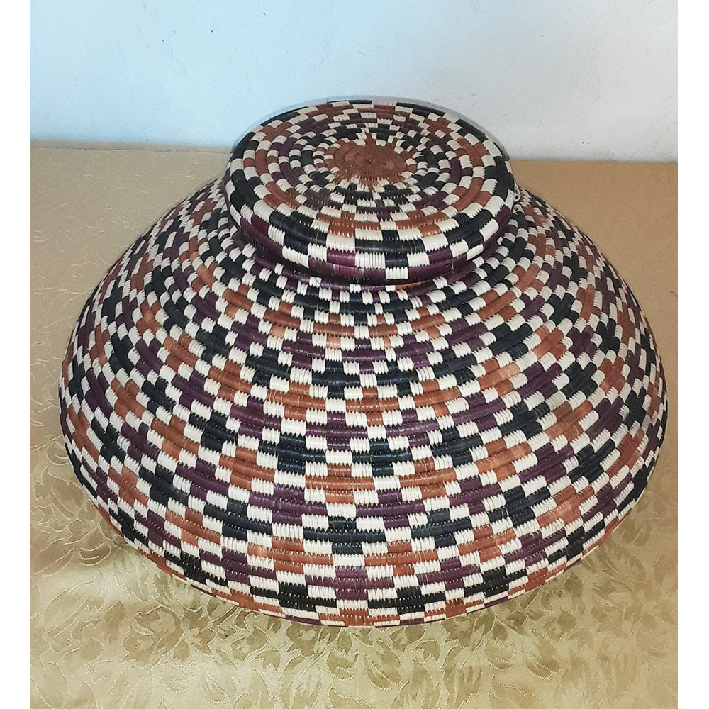 Isichumo , an Ilala Palm grass Basket by Angeline Bonisiwe Masuku Trading (SOUTH-AFRICA)