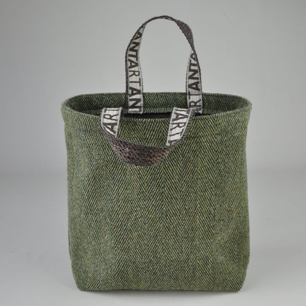Gift: Anta Carpet Bag