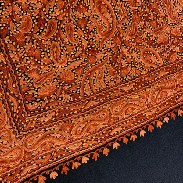 Cashmere scarf with Paisley Design hand-embroidery by Firdose Ahmed Jan (INDIA)