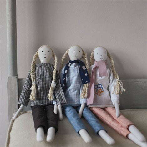 Les Toiles Blanches, Dolls - Selvedge Magazine - 1