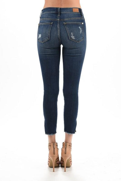 judy blue jeans, main street fray copped skinny jean, womens cropped skinny jean, womens fray cropped skinny jean, cs clothing co, online boutique, womens trendy fashion, womens affordable fashion, womens trendy clothing, womens trendy fashion, womens distressed jeans, womens distressed skinny jeans, c&s clothing co, free shipping, fast and free shipping