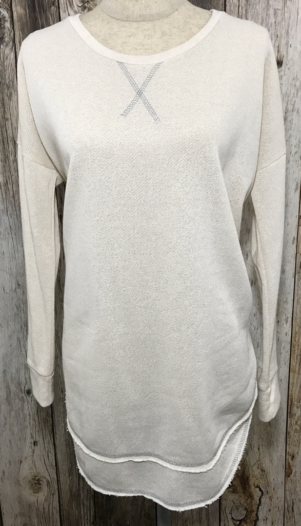 cream colored sweater, swing hem line sweater, beige sweater. cream colored sweater, loose fit sweater, womans long sleeve top, free shipping