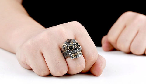 "Item Hunters ""The Ancient King"" Skull Ring"
