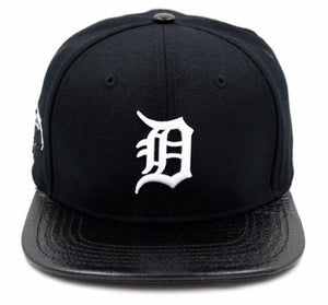 Detroit Tigers Baseball Pro Standard MLB Adjustable Strap Back Cap Black and White (front)