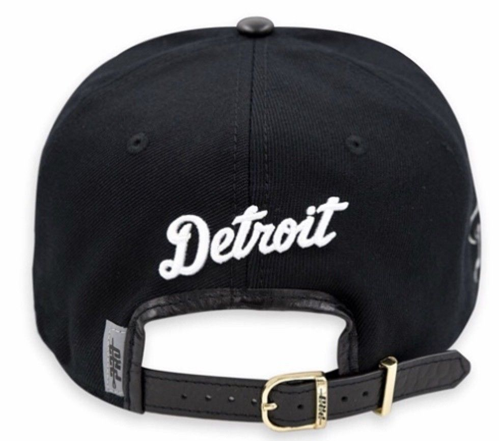best authentic a083a 69283 Detroit Tigers Pro Standard Strap Back Cap - Black White