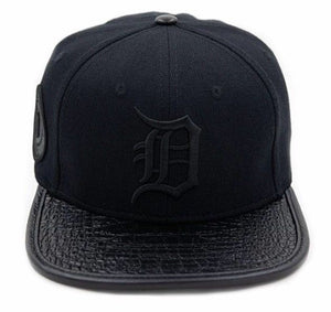 Detroit Tigers Baseball Pro Standard MLB Adjustable Strap Back Cap Black on Black (front)