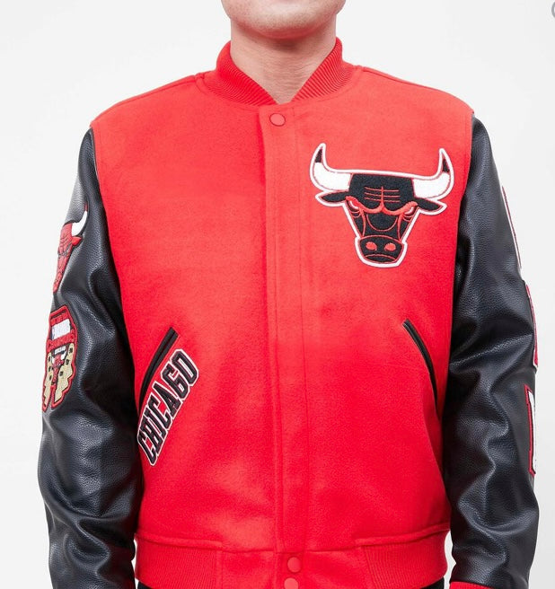 Pro Standard Chicago Bulls Varsity Jacket - Red and Black