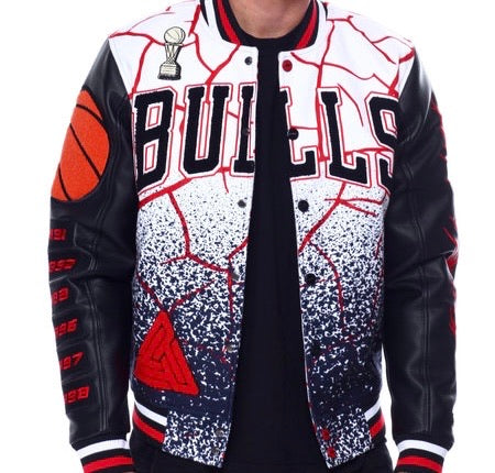 Pro Standard Black Pyramid Chicago Bulls Varsity Jacket – Black