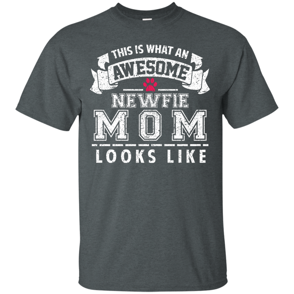 Awesome Newfie Mom Ultra Cotton T-Shirt