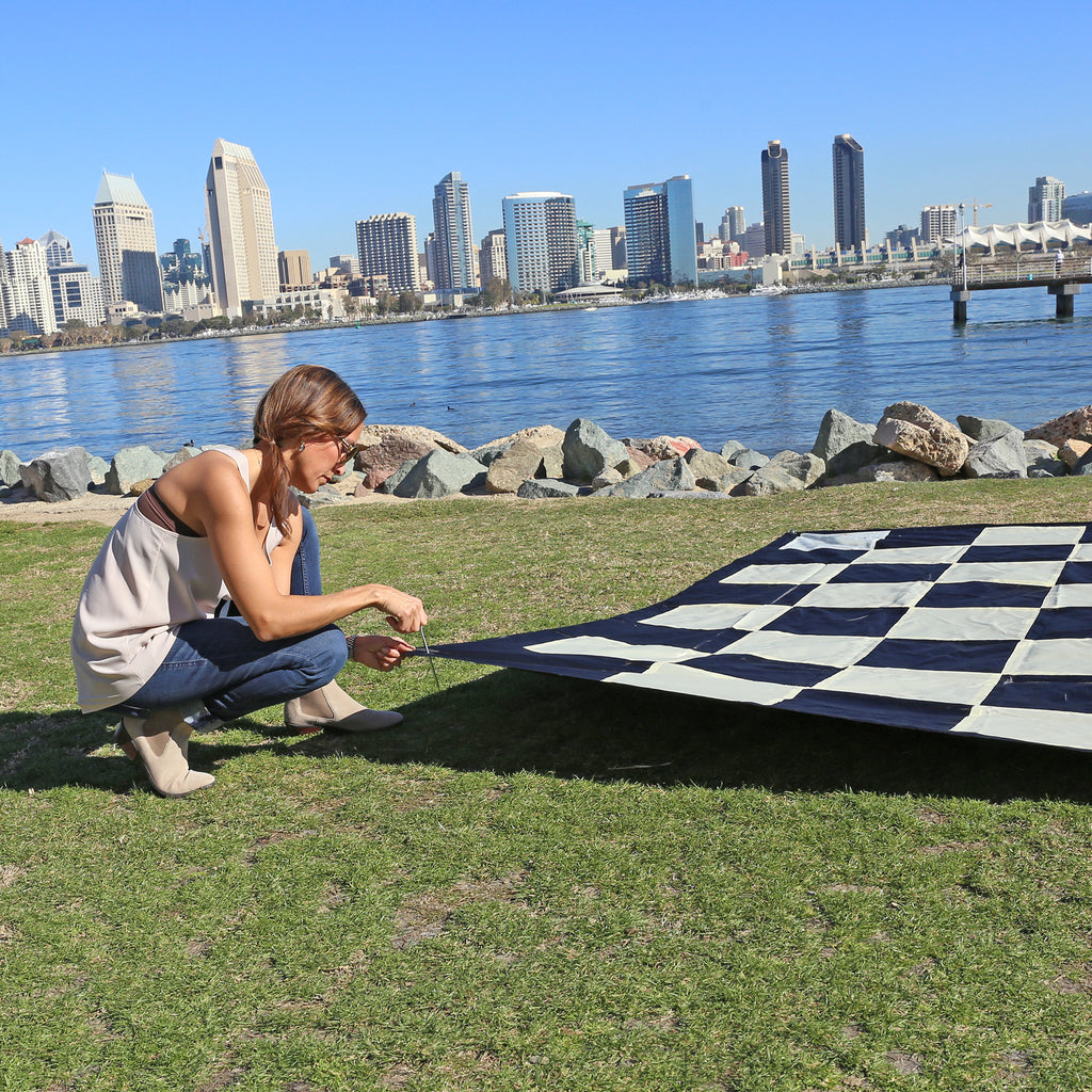 "Giant Chess & Checkers Nylon Mat (8'10"" x 8'10"")"