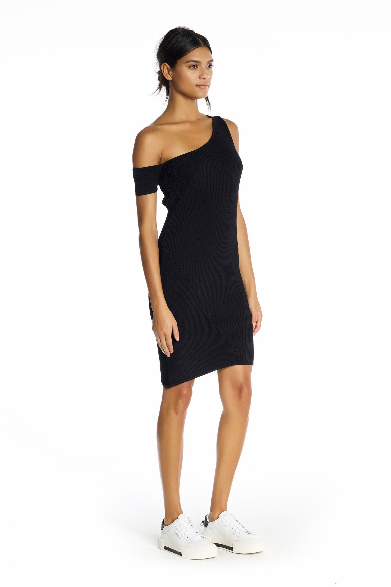 ASYMMETRIC ONE-SHOULDER DRESS