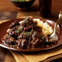 Load image into Gallery viewer, The Village Kitchen AAA Beef Beer & Onions-Feeds 2 to 4 people