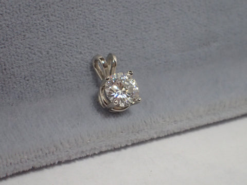 Moissanite Pendant 1 carat 6.5mm Round Briliant Cut 14K Gold Charles and Colvard