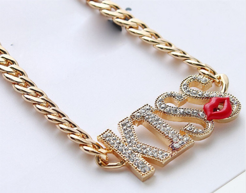 Fashion Necklace With Kinky Perfect Kiss