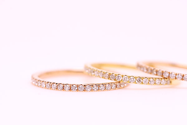 18K Gold Diamond Band