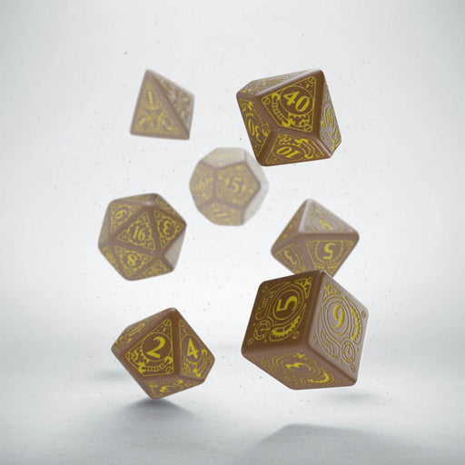 Q-Workshop Steampunk Dice Set Brown with Yellow Etches (7 Piece Set)