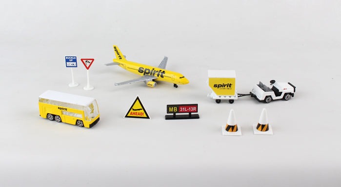 Daron 9 Piece Spirit Airlines Playset Toy Model Figures