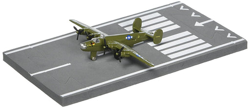 Daron Runway24 Diecast Metal Toy with Runway Section - B-24 Liberator Olive