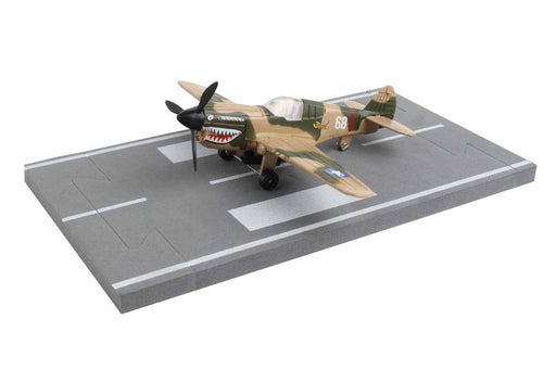 Daron Runway24 Diecast Metal Toy with Runway Section - P40 Flying Tigers