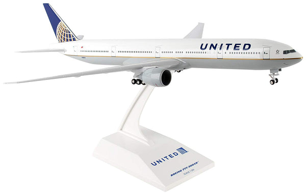Daron Skymarks United 777-300 1/200 With Gear Model Aircraft