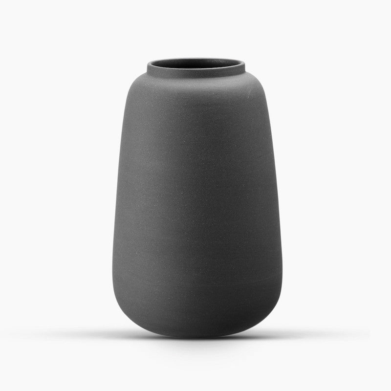 lassic Vase, Small - Black-Ditte Fischer-The Fjord Store