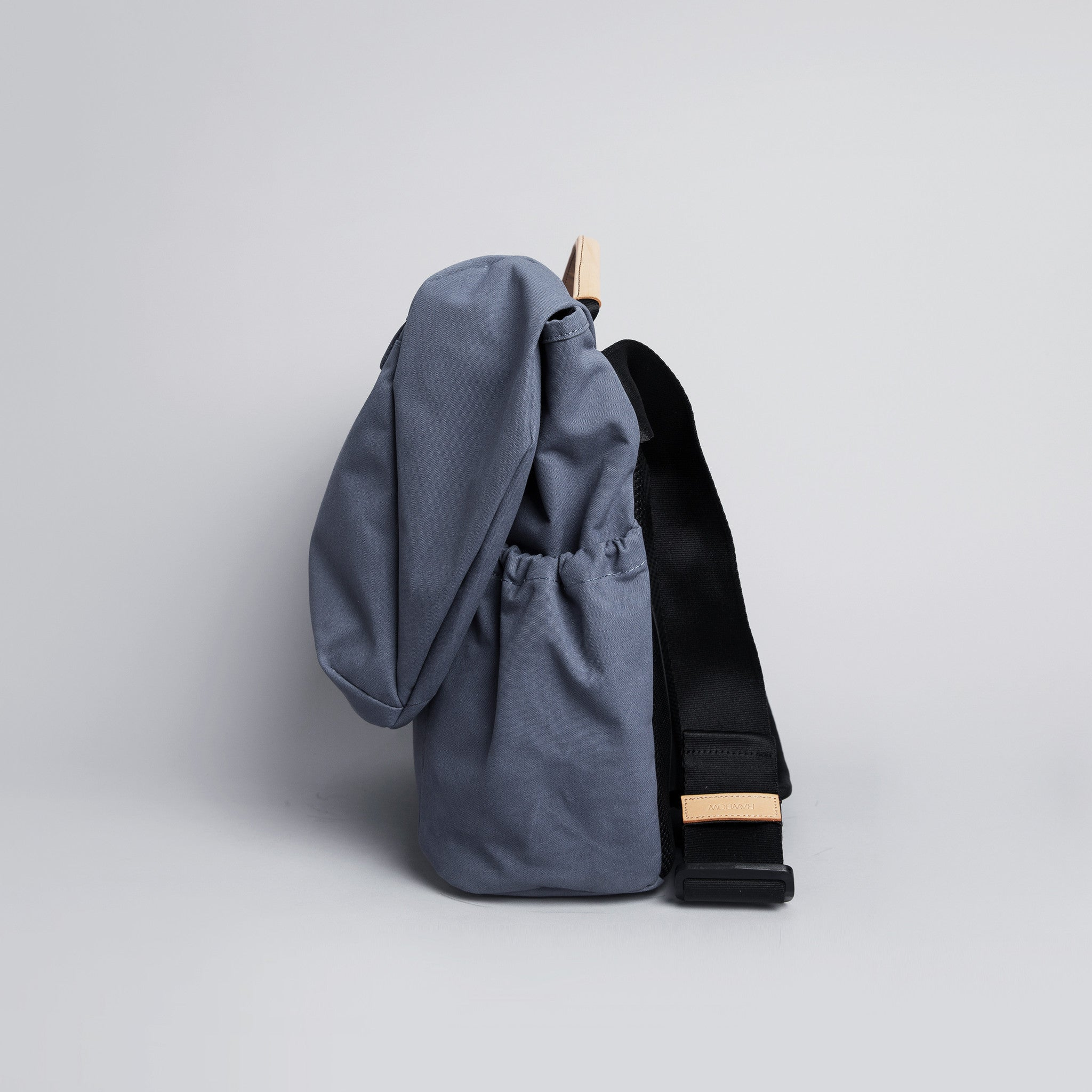 "'R Messenger 500' Raw Waxed 15"" Navy"