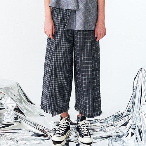 Wide Checkered Pleated Pants