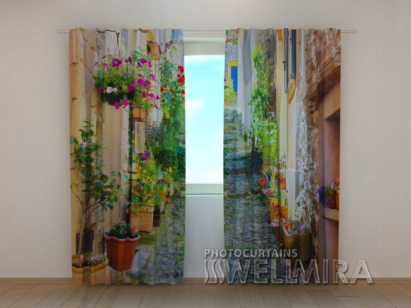 Photo Curtain Back Street in Flowers - Wellmira