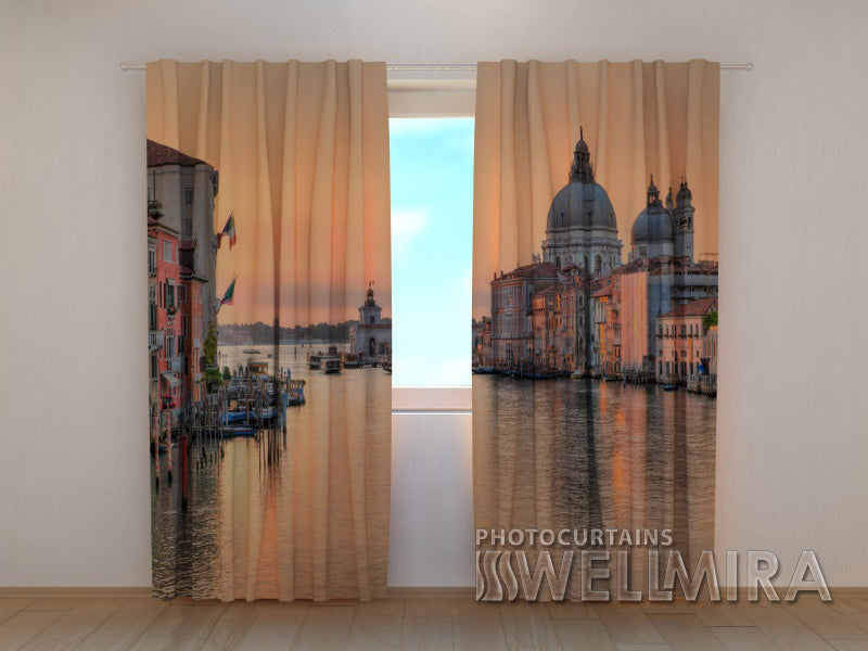 Photo Curtain Sunset over Santa-Maria Cathedral - Wellmira