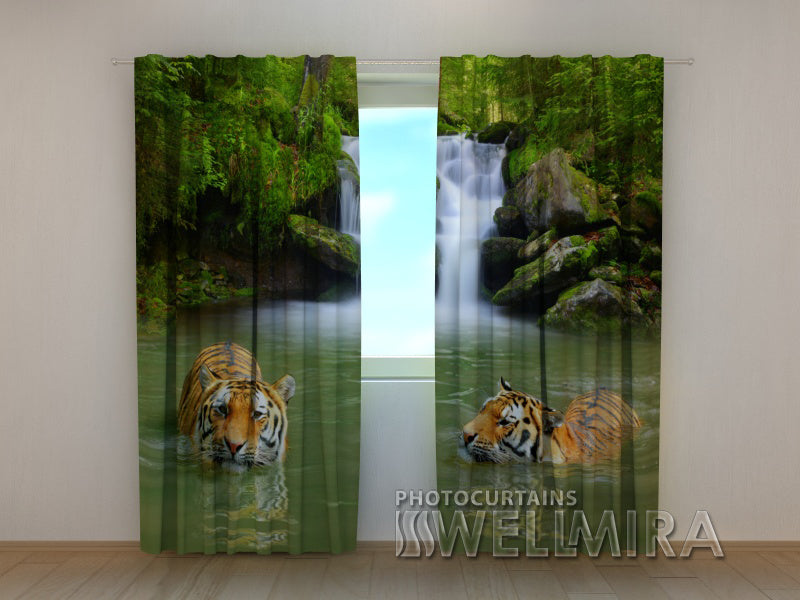 3D Curtain Tigers at the Falls - Wellmira