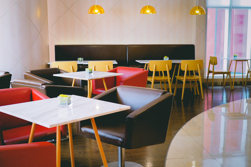 Restaurant Furniture – Wood or Metal?