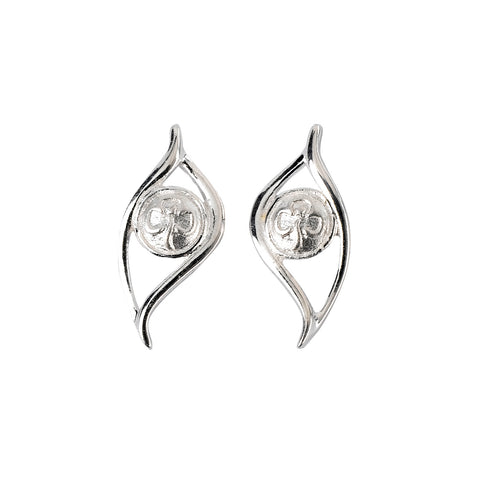Trefoil Leaf Stud Earrings