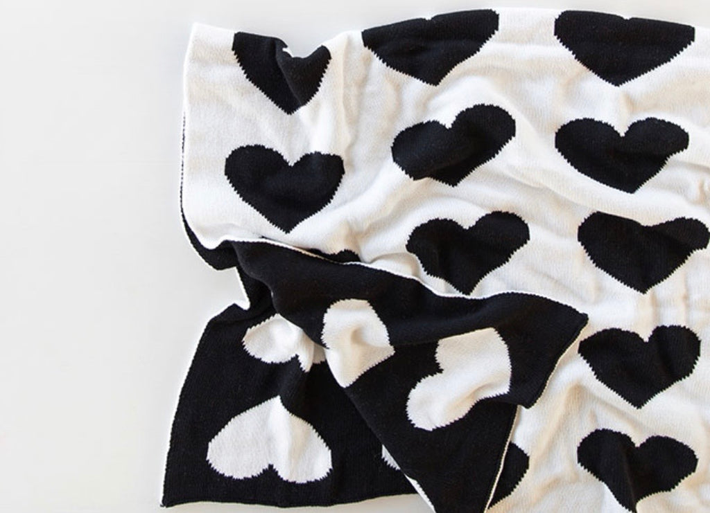Heart Blanket - Black/White