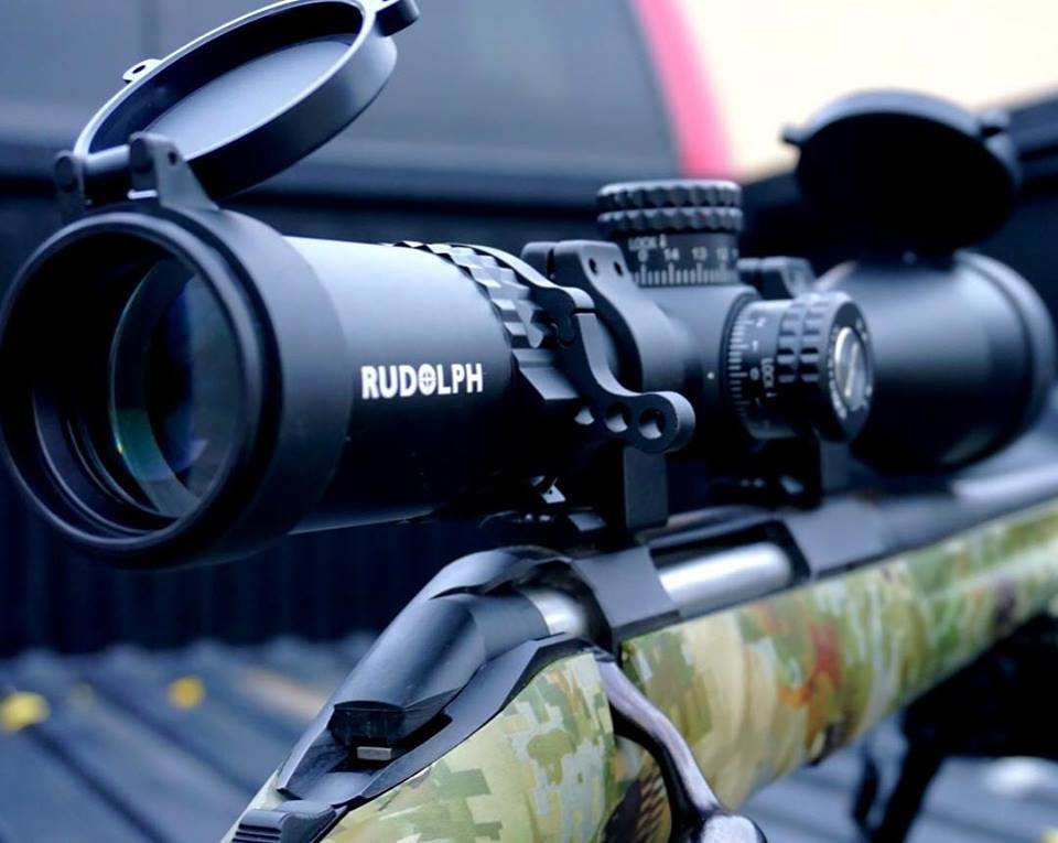 RUDOLPH VARMINT V1 2.5-15x50 RIFLESCOPE 30MM TUBE WITH D2 ILLUMINATED RETICLE