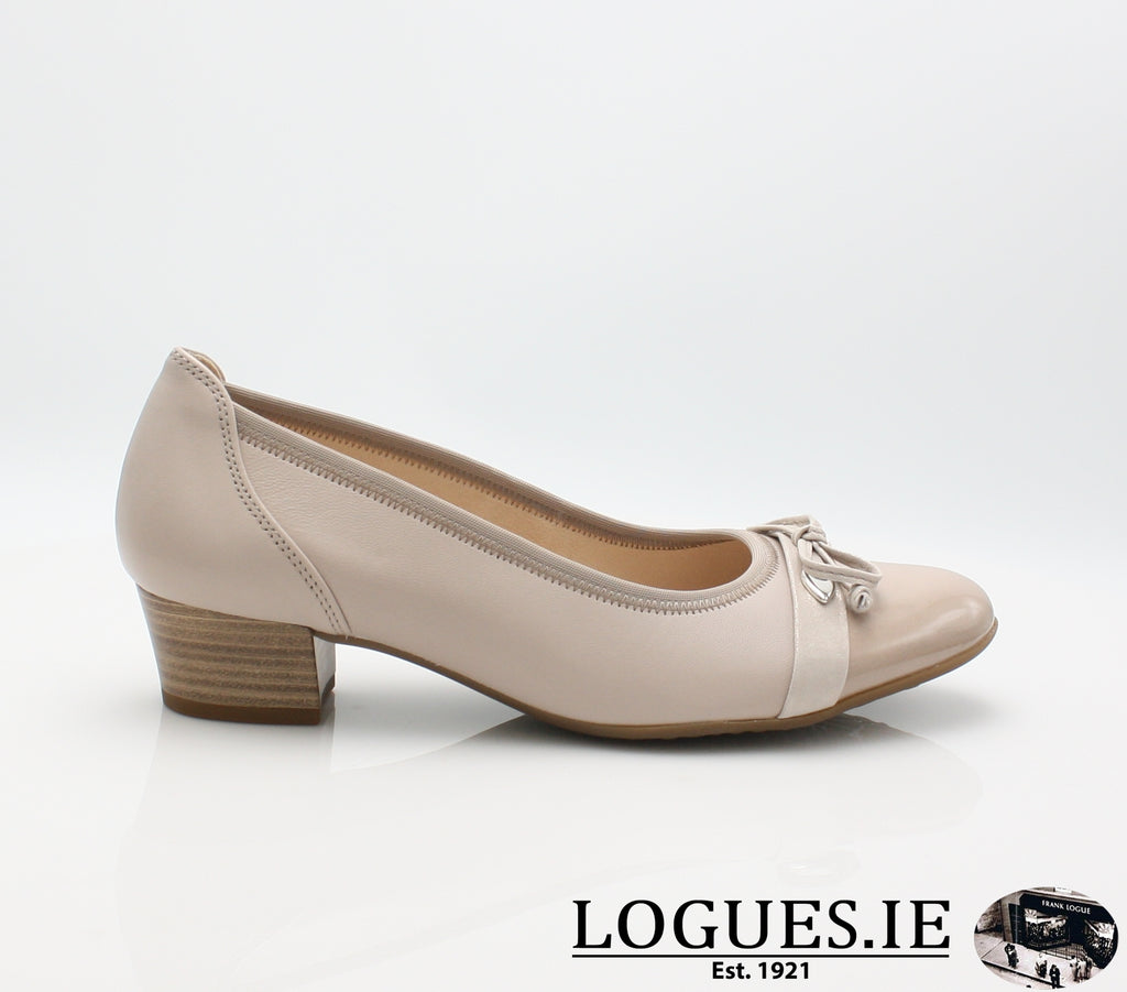 22.205 GABOR SS19LadiesLogues Shoes22 Ecru Kombi / 7½