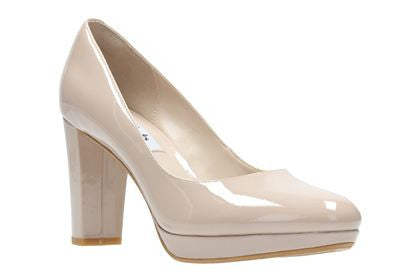 CLA Kendra SiennaLadiesLogues ShoesNude Patent / 090 / D